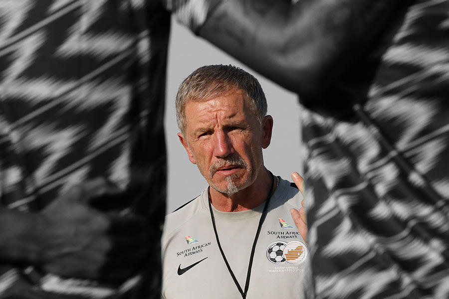 Stuart Baxter addresses players during the 2019 Africa Cup of Nations Finals South Africa training session at the Aero Sports Complex, Cairo, Egypt on 09 July